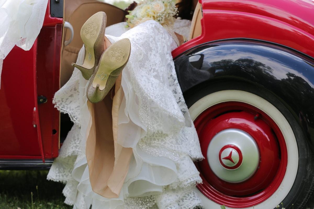 menyasszony, autó, ruha, fényesség, ódivatu, szandál, cipő, szüret, esküvő, szerelem