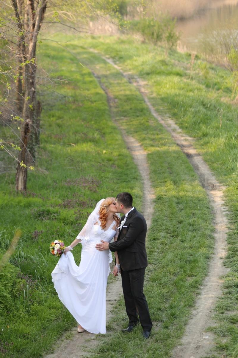 iloinen, onnea, aviomies, Suukko, maisema, elämä, Rakkaus, avioliitto, nätti tyttö, häät