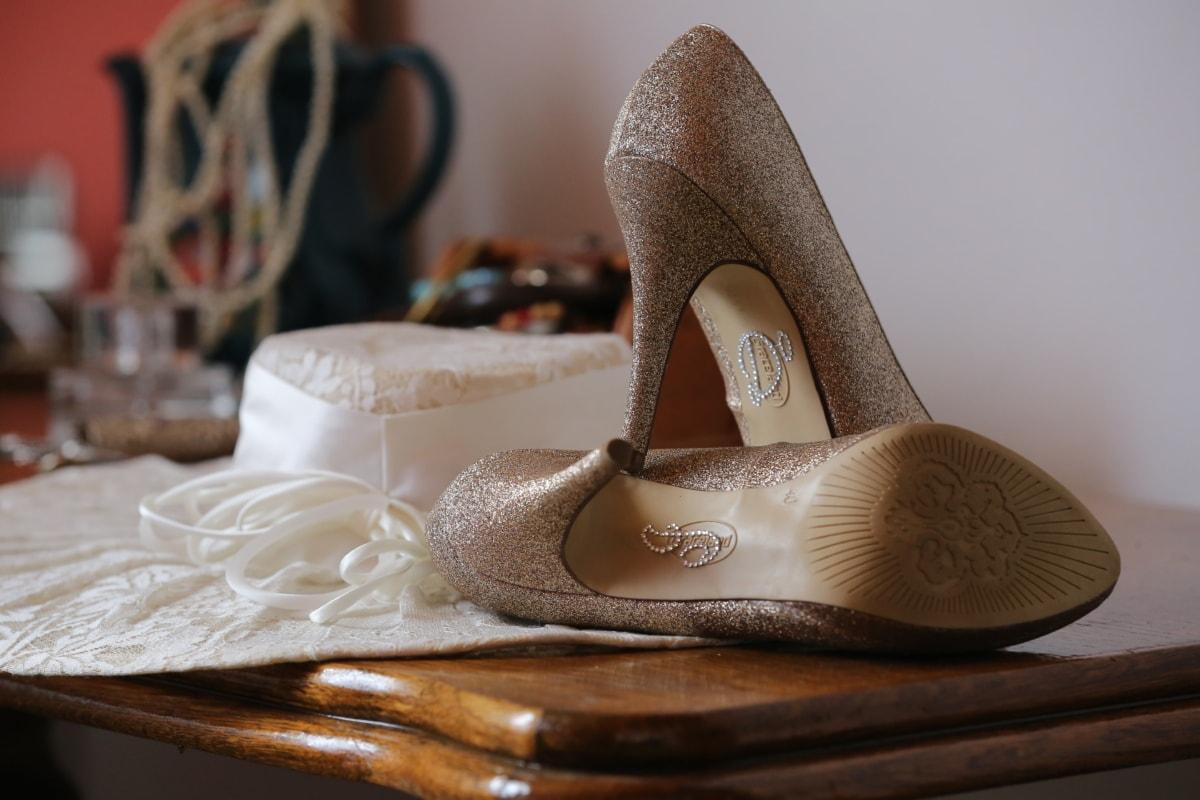 accessory, desk, fashion, glamour, hat, heels, jewelry, footwear, shoe, shoes