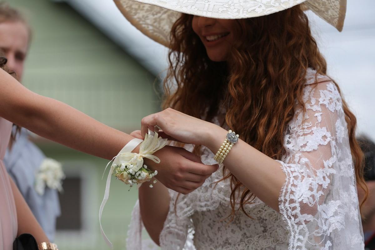 accessory, bride, elegance, enjoyment, fashion, gorgeous, jewelry, portrait, smile, wedding