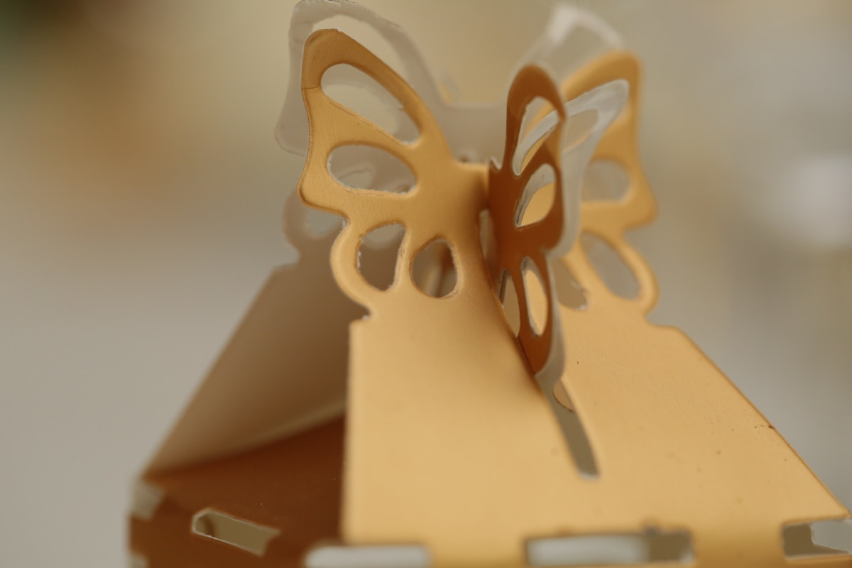 blur, box, carton, close-up, design, golden glow, shape, shining, blurry, brown