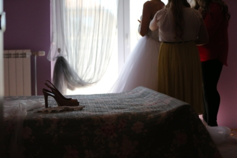 bed, bedroom, bride, ceremony, curtain, heels, people, preparation, sandal, interior