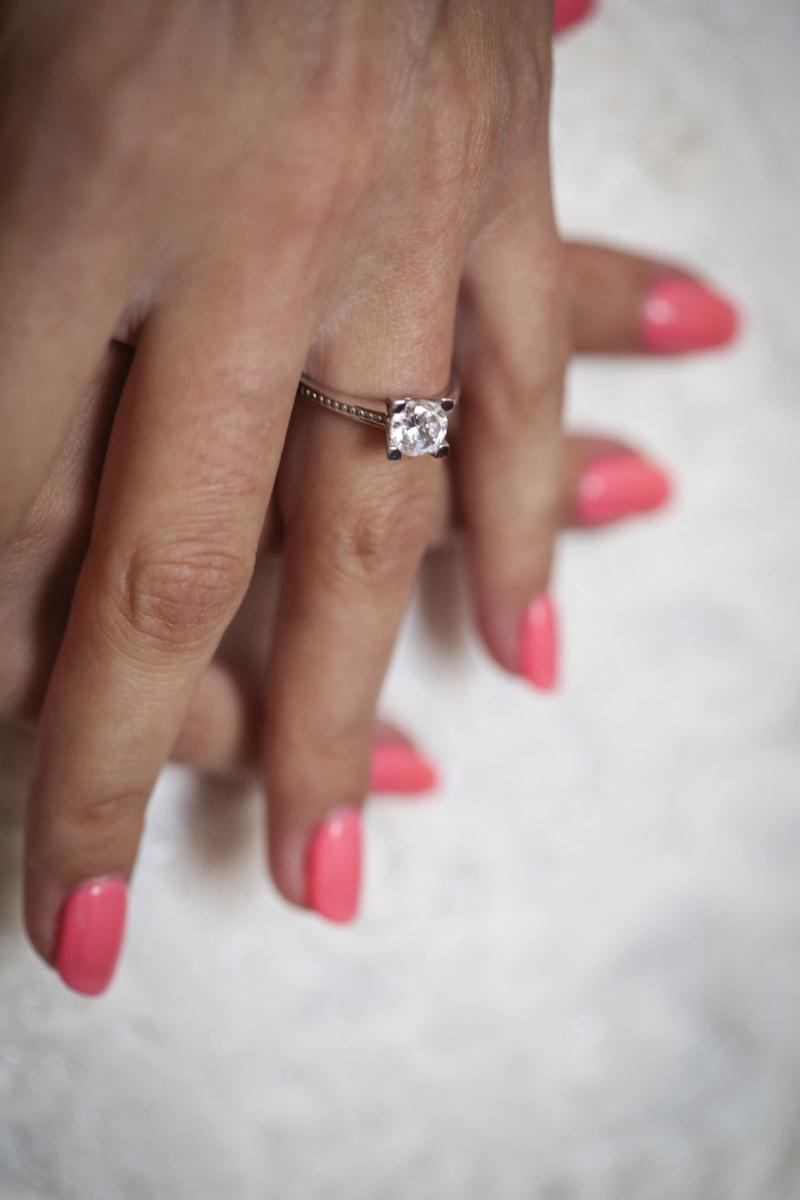 zblízka, diamant, prst, ruce, manikúru, Platinum, kůže, péče o kůži, snubní prsten, ruka