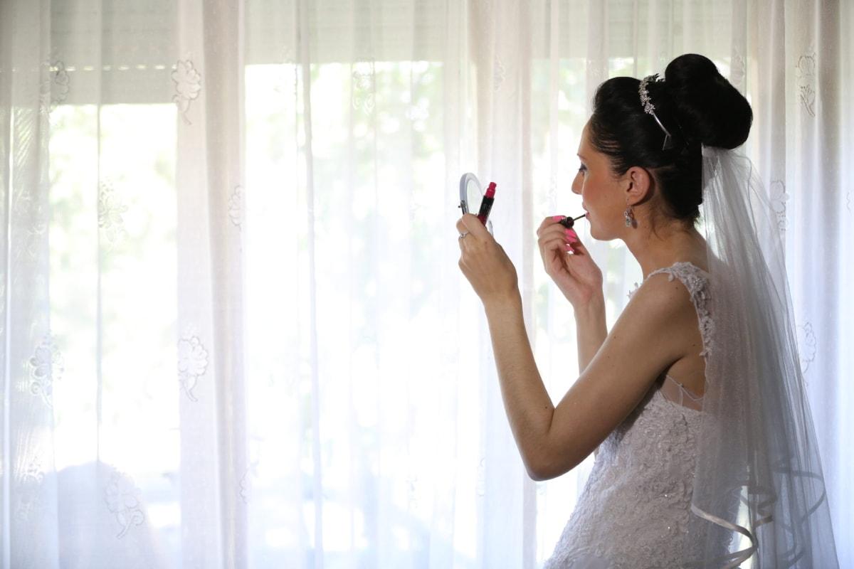 bride, face, hairstyle, lips, lipstick, makeup, mirror, side view, wedding, wedding dress