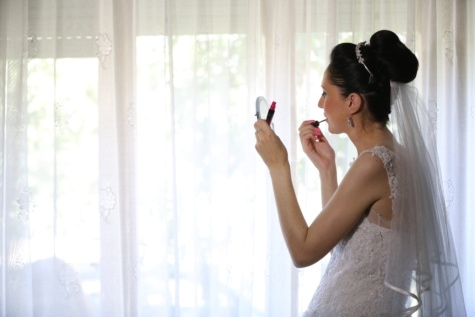 bride, face, hairstyle, lips, lipstick, makeup, mirror, side view, wedding, wedding dress