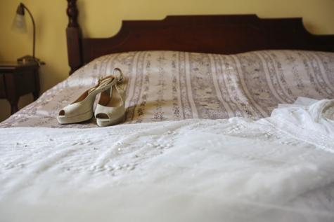 krevet, spavaća soba, sandale, cipele, vjenčanica, jastuk, jastuk, soba, namještaj, Hotel