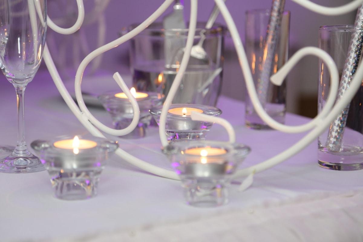 แสงเทียน, เทียน, เชิงเทียน, พื้นที่รับประทานอาหาร, ความสง่างาม, แว่นตา, หรูหรา, บนโต๊ะอาหาร, การออกแบบ, ดิจิตอล