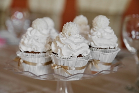 cream, cupcake, decorative, elegance, meringue, tables, white, sugar, dessert, cake