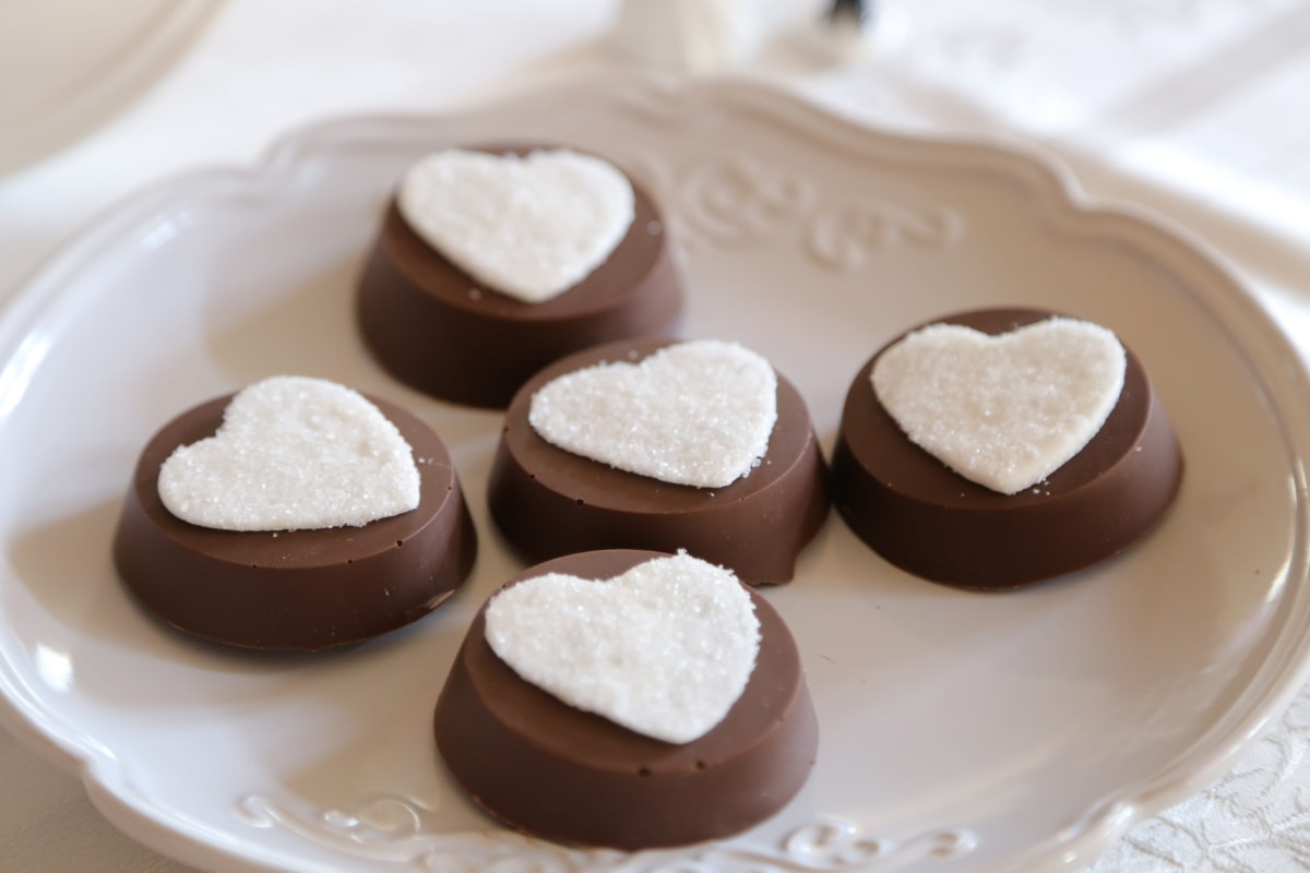 chocolates, handmade, hearts, mousse, romantic, snack, delicious, food, confectionery, cream