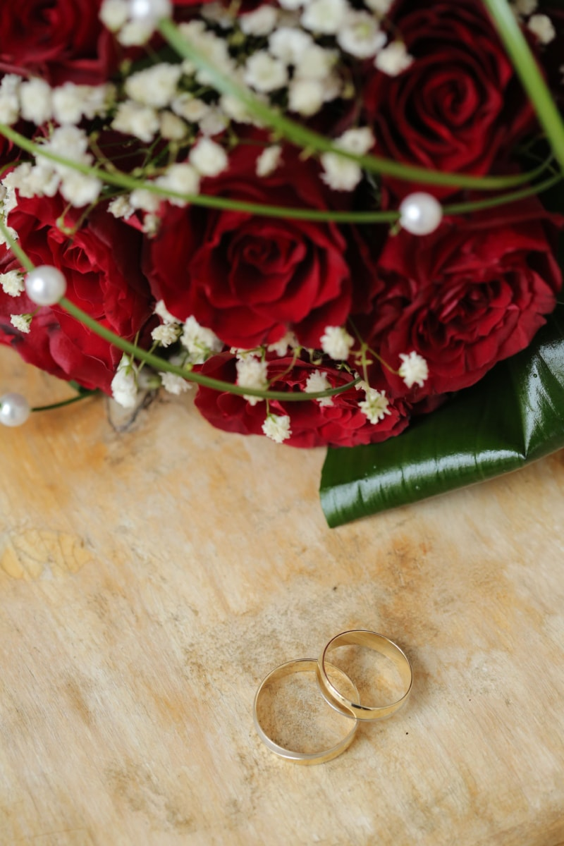 gold, red, rings, roses, wedding bouquet, wedding ring, arrangement, decoration, rose, love