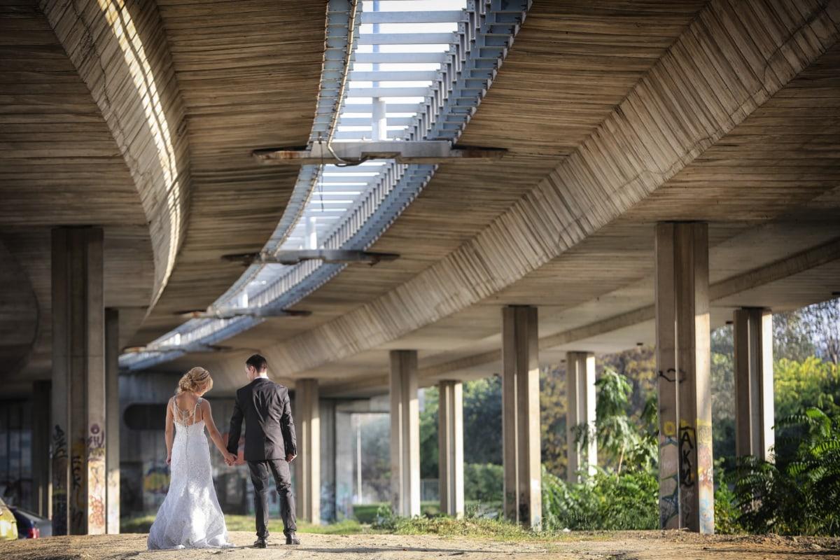 sposa, Ponte, marito, matrimonio, a piedi, vestito da sposa, creazione di, architettura, matrimonio, persone