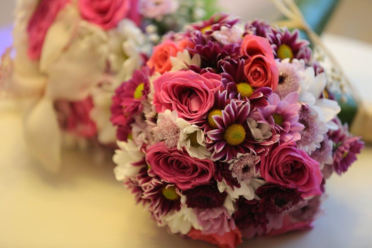 handmade, interior decoration, pastel, pinkish, vibrant, wedding, wedding bouquet, roses, flowers, pink
