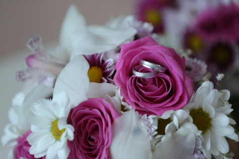 gifts, platinum, ritual, still life, wedding bouquet, wedding ring, love, petal, arrangement, roses