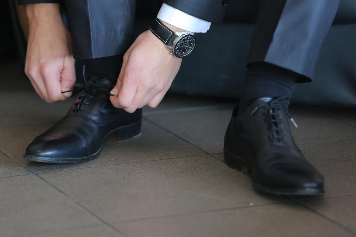 사업가, 비지니스, 우아함, 손, 신발끈, 신발, 한 벌, 손목 시계, 신발, 신발