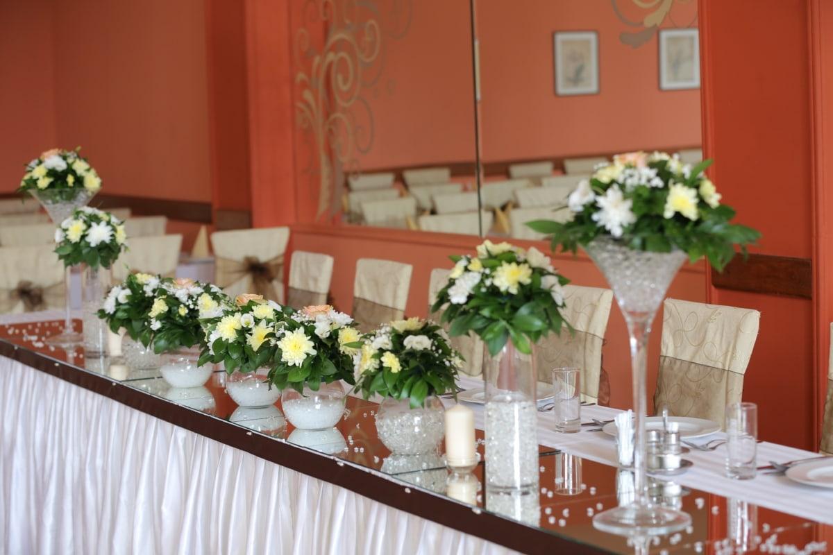 banquet, bouquet, glasses, mirror, spoon, tablecloth, tableware, vase, wedding, interior design