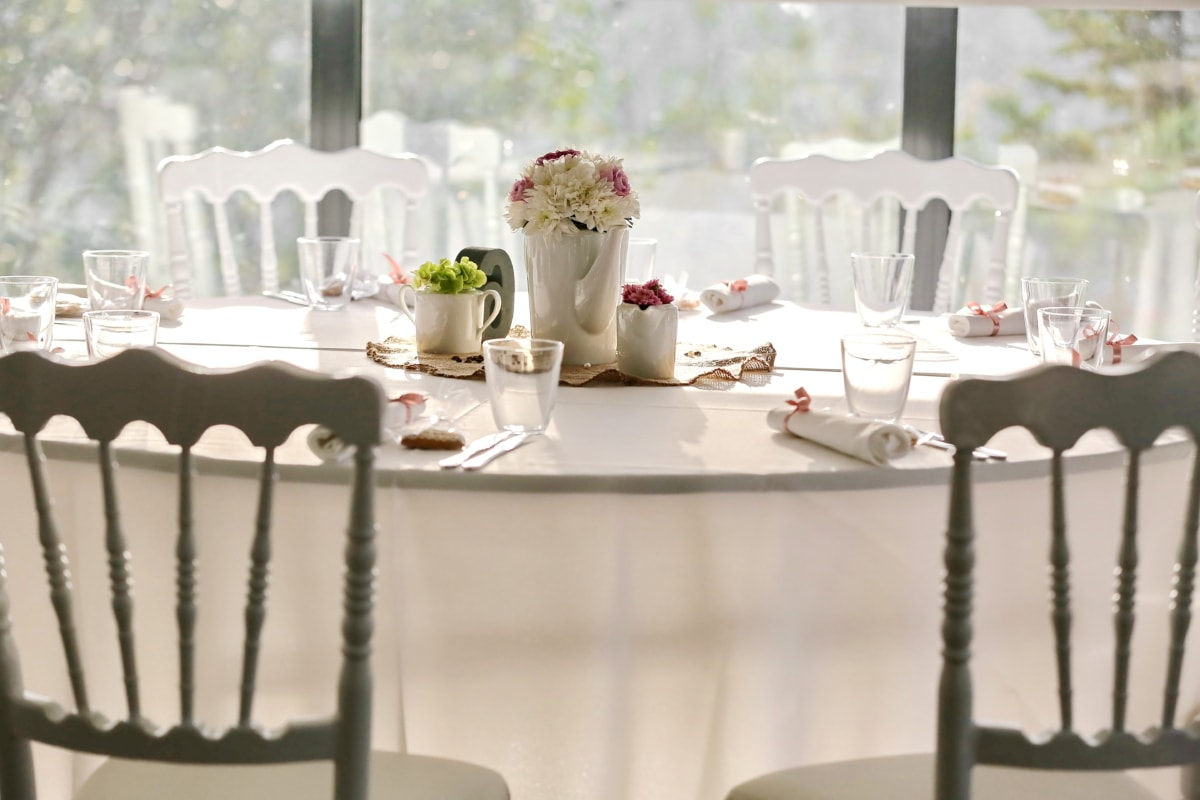 chairs, dining area, elegant, luxury, napkin, tablecloth, tableware, vase, furniture, table