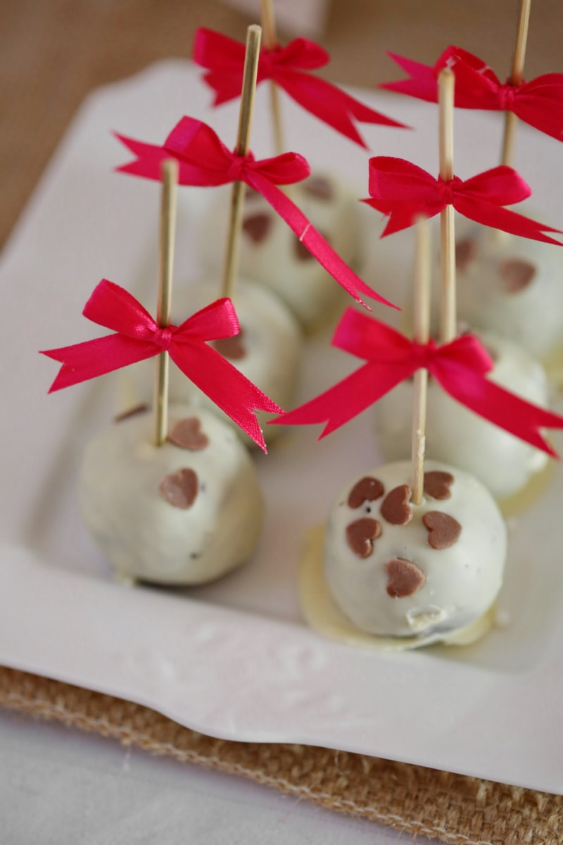 chocolate, close-up, lollipop, party, sticks, white, decoration, sugar, traditional, delicious