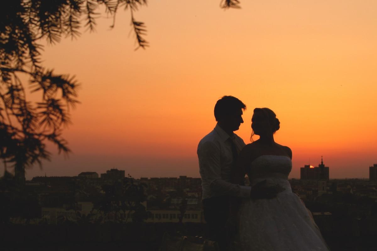 hengivenhet, bybildet, par, kveld, Klem, kjærlighet, stående, romantisk, silhuett, bryllup