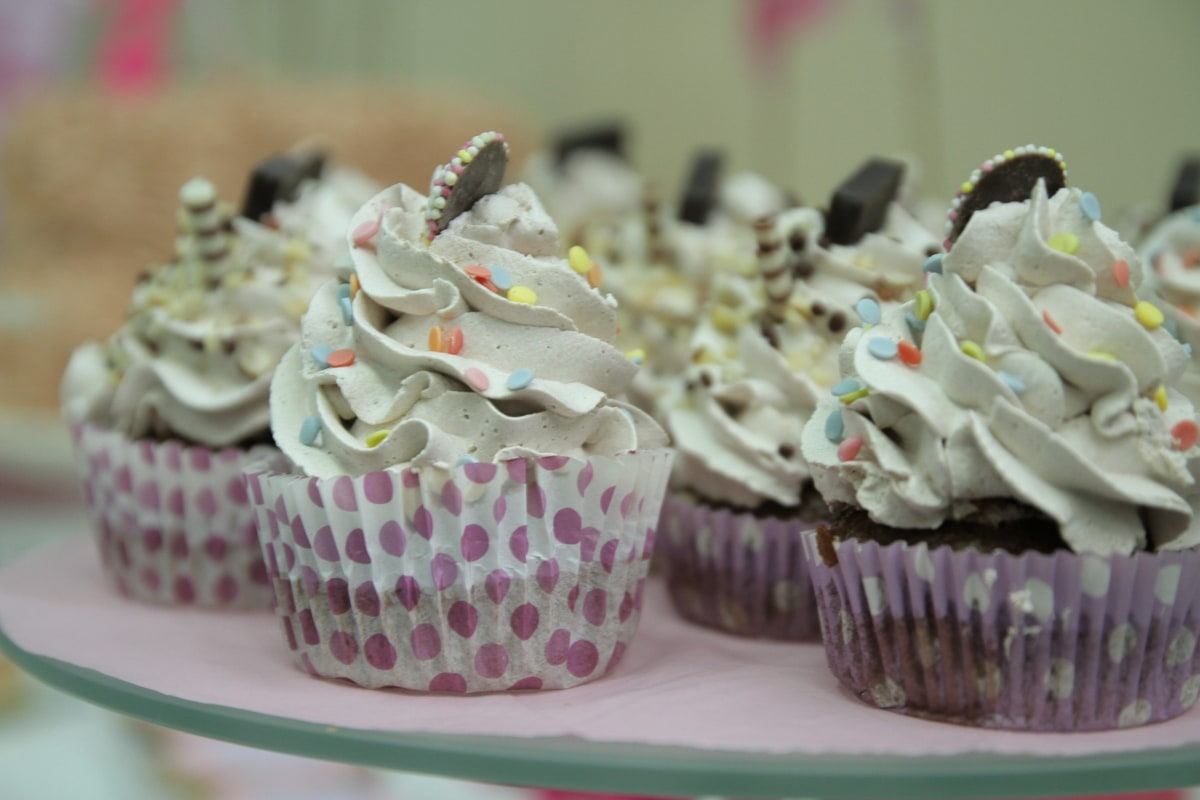 cupcake, cup, cake, food, cream, dessert, sweet, snack, pink, cakes