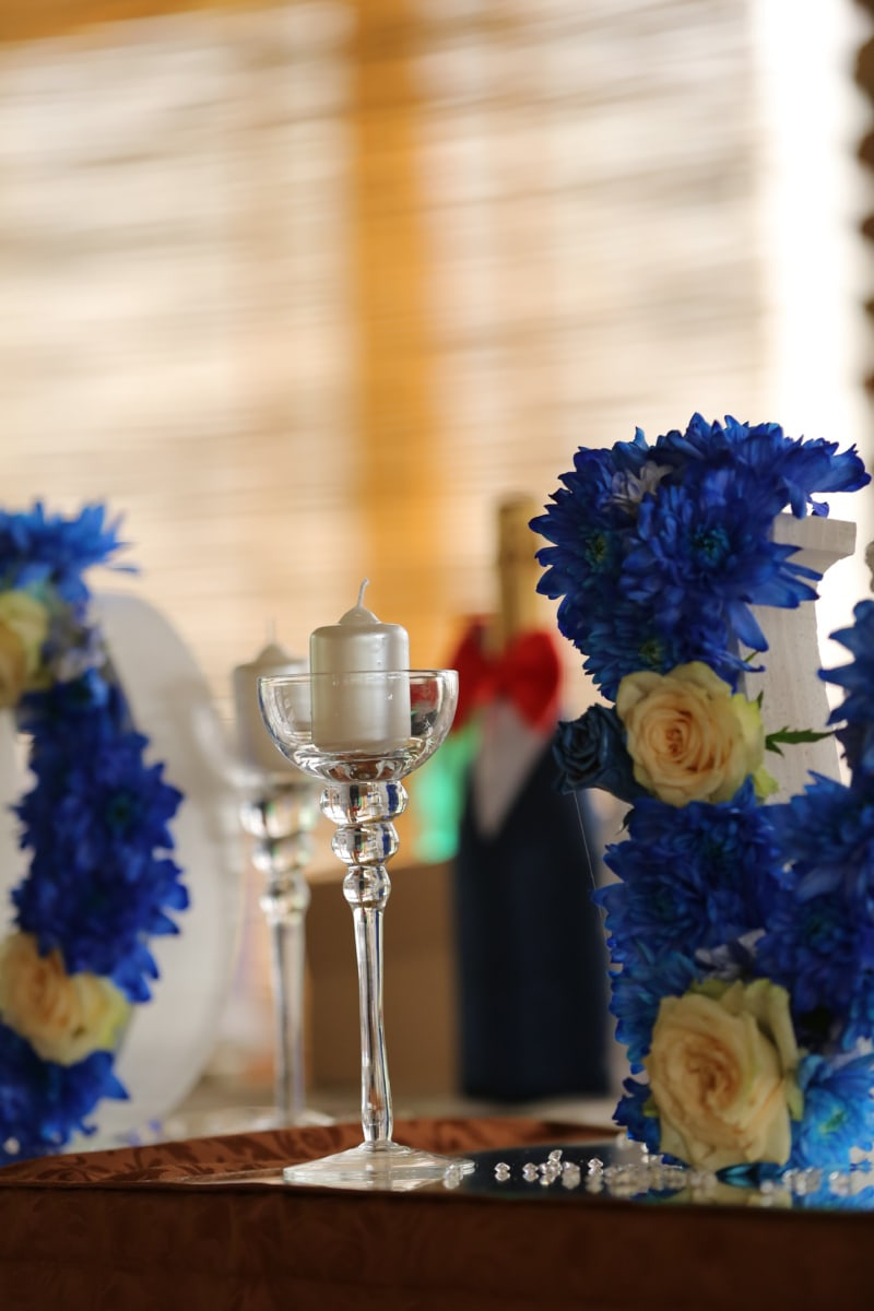 candle, candlestick, detail, elegance, glass, romantic, decoration, bouquet, flowers, celebration