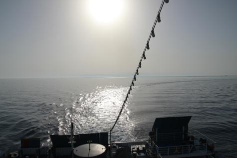 sinar matahari, bayangan, perahu, bintik matahari, cakrawala, tenang, laut, laut, air, matahari terbenam