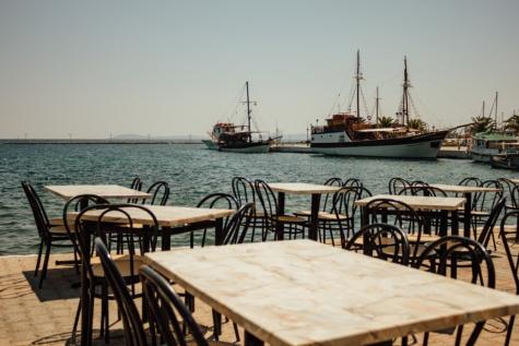 ベイ, ヨット クラブ, マリーナ, レストラン, ギリシャ, 夏のシーズン, 椅子, 水, 海, ボート