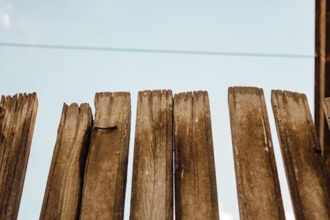 Előőrs kerítés, kézzel készített, régi, fa, világosbarna, kerítés, kéreg, természet, szabadban, retro