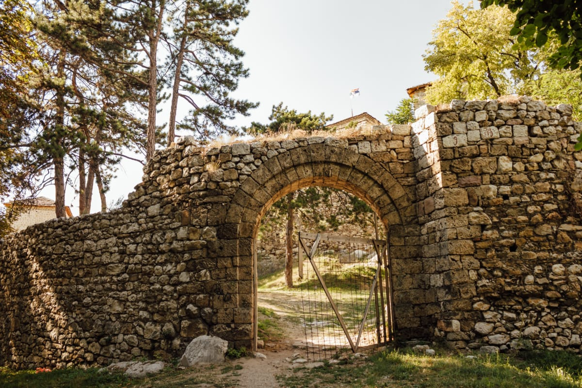 walls, gateway, entrance, fortress, fortification, medieval, stone, ancient, architecture, old