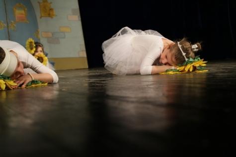 발레, 성능, 댄스, 누워, 바닥, 예쁜, 예쁜 소녀, 헤어스타일, 사진 모델, 춤