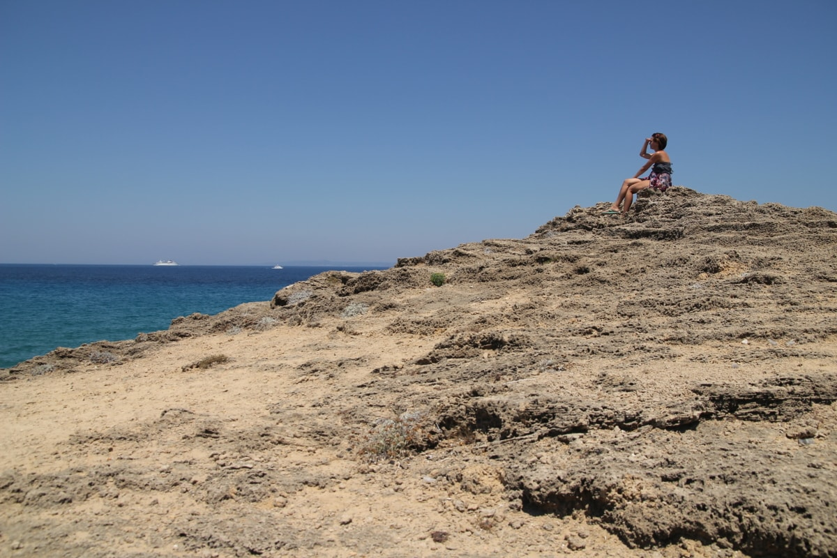 woman, wait, looking, knoll, alone, beach, sand, sea, water, desert