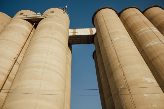 silo, warehouse, buildings, storage, tall, column, architecture, tower, outdoors, city