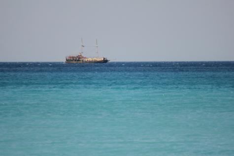 distanta, barca cu panze, vas de croaziera, calm, nava, navă de marfă, navigatie, pirat, ambarcatiuni, apa