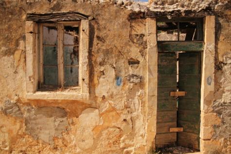 armoede, verval, voordeur, venster, huis, ruïne, oude, het platform, verlaten, steen