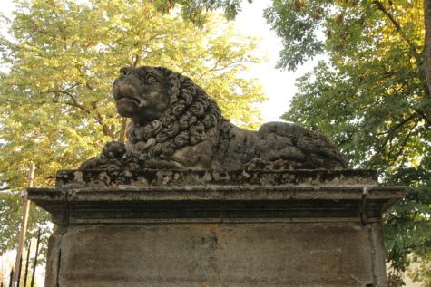 lion, sculpture, art, concrete, artwork, laying, architecture, handmade, lichen, moss