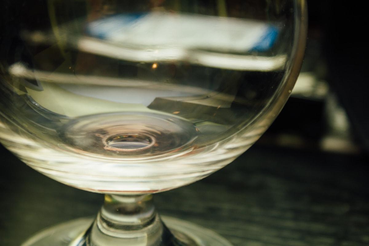crystal, glass, close-up, reflection, transparent, focus, blur, light, luxury, elegant