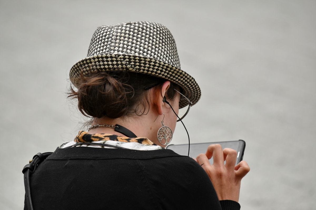 hat, outfit, woman, fashion, portrait, person, girl, people, landscape, beautiful