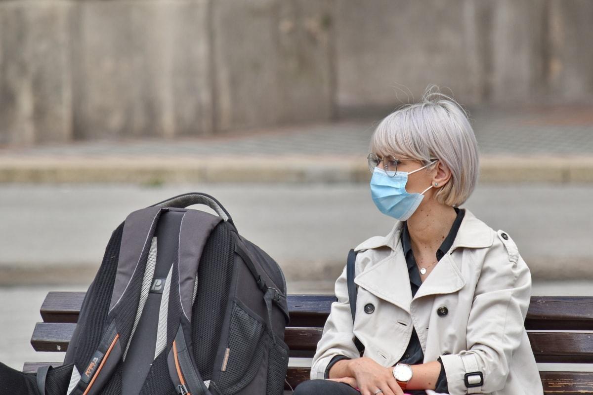 autoaislamiento, coronavirus, mascara facial, distancia social, mochila, infección, protección, Señora, enfermedad infecciosa, cara