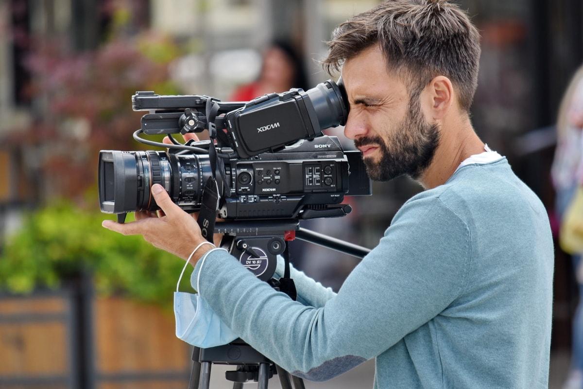 jóképű, ember, a forgatás, digitális fényképezőgép, állvány, foglalkoztatási, munkavállaló, berendezések, kamera, lencse