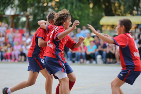 proslava, timski rad, nogomet, tim, nogometaš, pobjeda, oprema, atleta, lopta, aktivno
