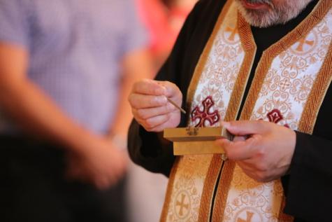 prest, dåp, religion, relict, åndelighet, kirke, hånd, folk, person, mann