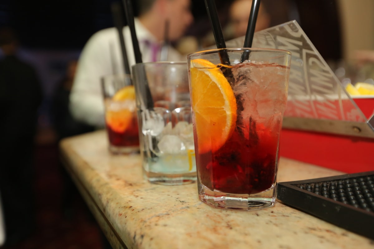 cocktail, discotheque, nightlife, nightclub, mixed drink, bartender, alcohol, glass, beverage, appetizer