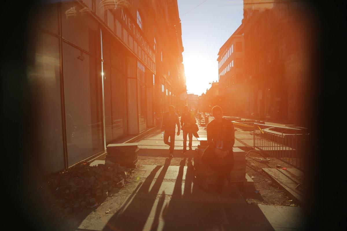 people, sunrays, sunspot, urban, sunshine, street, dawn, sun, sunset, fog