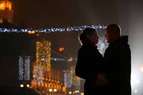 新年, ガール フレンド, 愛, ボーイフレンド, ナイトライフ, 抱擁, 人々, 男, 炎, 縦方向