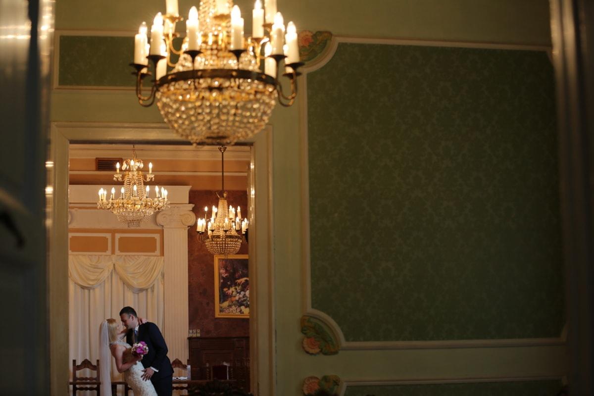 groom, wedding, wedding bouquet, bride, wedding dress, living room, dancing, interior, chandelier, house
