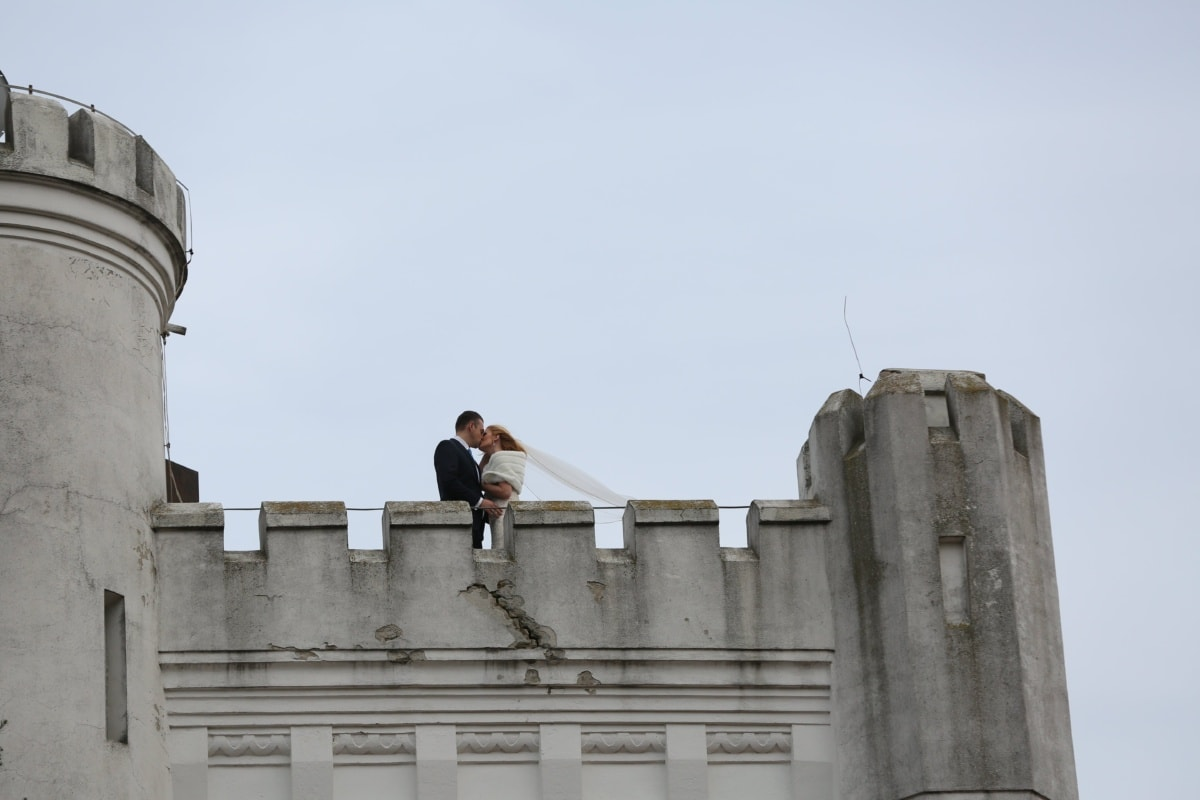 kiss, prince, princess, fortress, castle, building, architecture, rampart, wall, outdoors