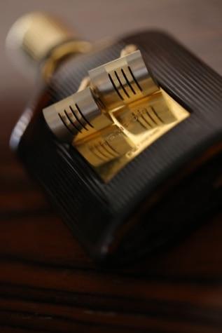 zlatá záře, láhev, elegantní, krabice, luxusní, detaily, zátiší, uvnitř, rozostření, staré