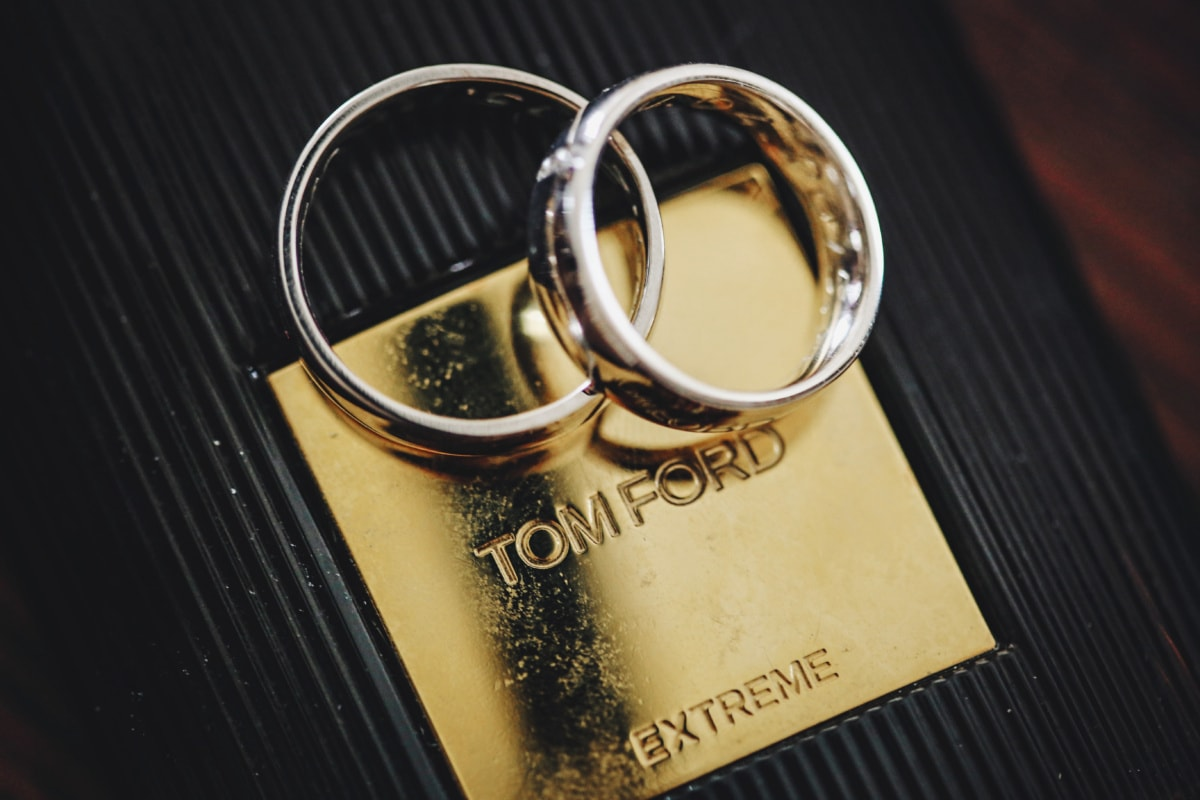 platinum, wedding ring, elegant, expensive, gold, luxury, bottle, metal, detail, details
