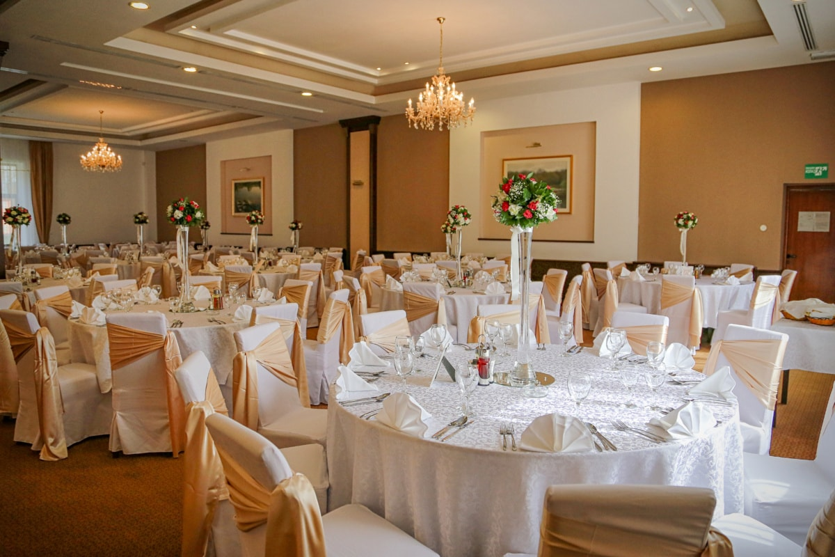 blagovaonica, vjenčanje, svečanosti, stol, luster, stolnjak, soba, vaza, mogućnost, unutarnji prostor