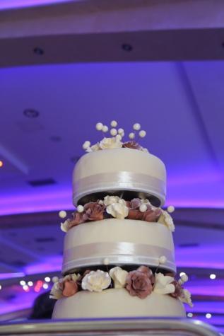 ウエディング ケーキ, バニラ, クリーム, 結婚式, 屋内で, インテリア デザイン, 愛, 高級, チョコレート, ぼかし