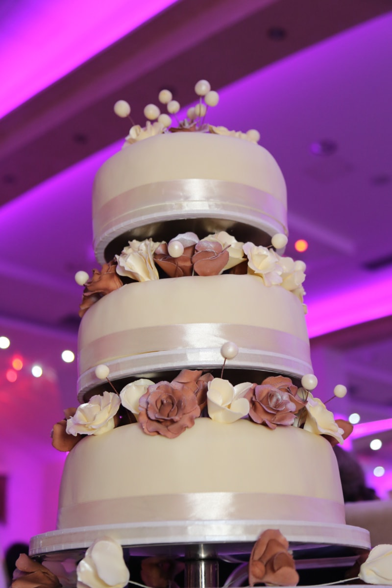 wedding cake, cafeteria, elegance, restaurant, wedding, cake, elegant, chocolate, sugar, cream